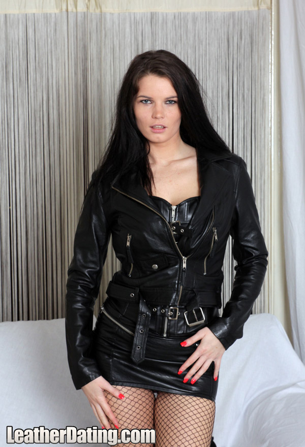 http://www.leathermansion.com/leatherdating/galleries/16/6.jpg